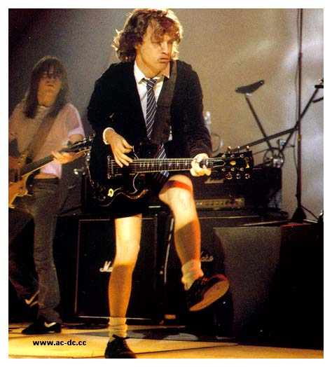 http://www.cult22.com/blog/wp-content/uploads/2009/09/Angus-Young.jpg